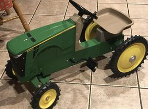 ~John Deere Metal Pedal Tractor~Ride on for Sale in Oswego, IL