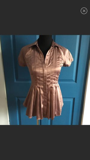 BCBG XSmall Purple Satin Pleated Button Up Top for Sale in Severn, MD