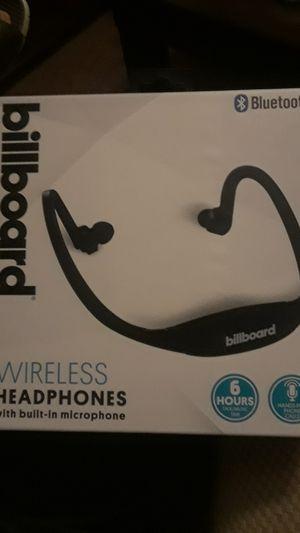 Wireless Headphones with Built-In Microphone for Sale in San Bernardino, CA