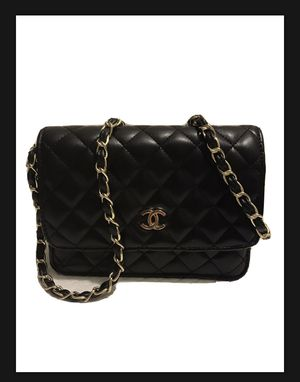 Chanel Women's Shoulder Bag for Sale in Los Angeles, CA