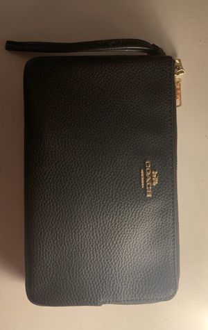 Coach Double Zipper Wallet for Sale in Alhambra, CA