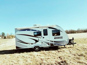 Urgent for sale.Beautiful 2017 LANCE / 1575.PERFECT CoNDITION for Sale in Lincoln, NE