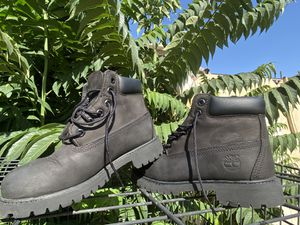 Black timberlands size 1y negotiable for Sale in Fresno, CA