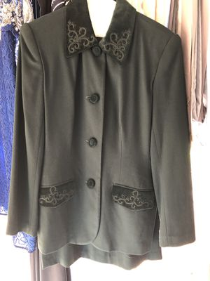 Woman's green skirt suit for Sale in Trinity, FL