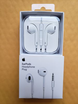 iPhone oem Earpods new for Sale in Kent, WA