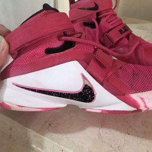 Women's Basketball shoes sz 9 for Sale in Fort Worth, TX