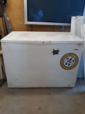 Deep Freezer 4 ft long x 2ft 3 in wide x 34 in height for Sale in Tullahoma, TN