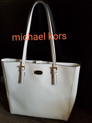 Michael kors purse for Sale in Fort Worth, TX