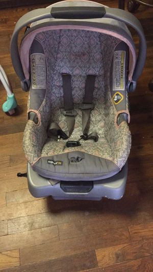 Car seat with base for Sale in Ruckersville, VA