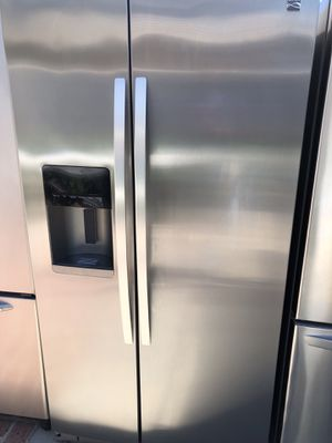 2017 kenmore elite amazing condition works perfect extremely clean for Sale in Bell Gardens, CA