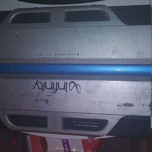 Infinity Amplifier for Sale in Alexandria, LA