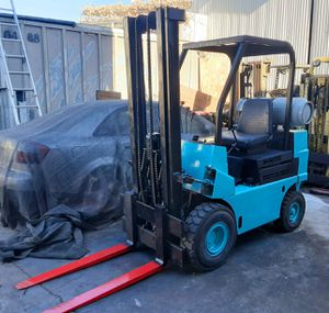 "FORKLIFT ""WHITE"" PNEUMATIC (AIR) $3,190!!!!HEAVY DUTY 4000-LB CAP AUTOMATIC!!! RUNS GREAT %100 ISSUE FREE!!!! $3,190 for Sale in Santa Fe Springs, CA"