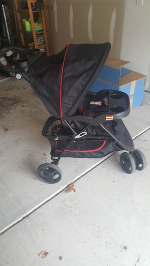 Strollers and cars Seat for Sale in Lexington, SC