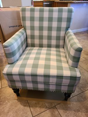 Harrison Tufted Club Chair Checkered Green for Sale in Sacramento, CA