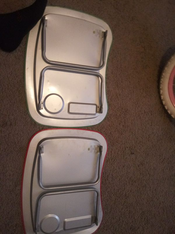 2Childrens trays
