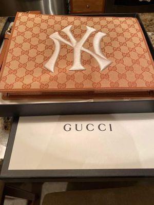 Gucci clutch bag for Sale in Reston, VA