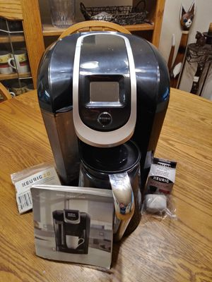 Keurig 2.0 300 Series Brewer/Carafe for Sale in Seattle, WA