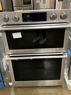 Samsung Electric Wall Microwave & Oven Combo for Sale in Huntington Beach,  CA