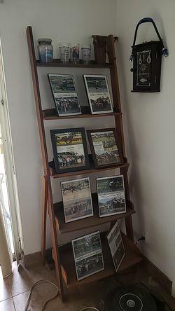 Ladder style book shelf for Sale in HALNDLE BCH,  FL