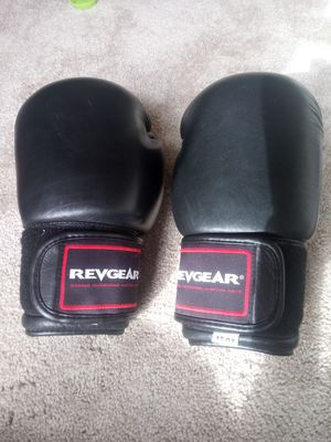 Revgear boxing gloves 12oz for Sale in Livermore, CA