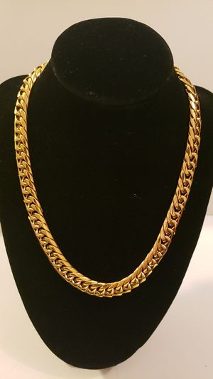 17 inch Cuban Link Chain Mens or Womans Real 14k Gold Plated for Sale in Dallas, TX