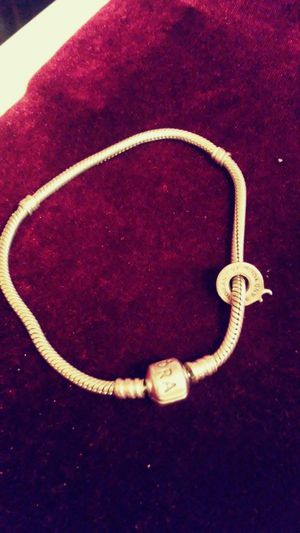 Pandora 8 inch rose clasp with twisty charm for Sale in Glendale, AZ