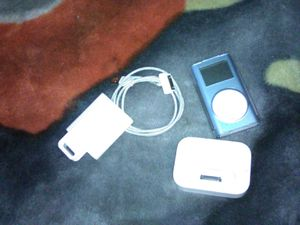 IPod 8gb with charge cord, charge base,clear case, belt clip like new!! for Sale in Tacoma, WA