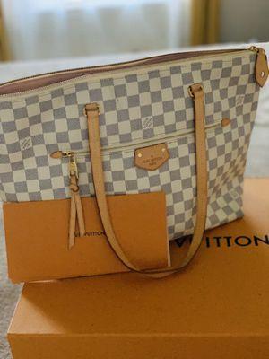 Louis Vuitton bag for Sale in Arcola, TX