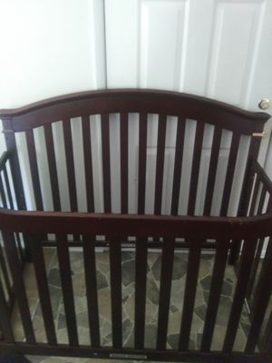 4 in 1 BABY CRIB for Sale in Hampton, VA