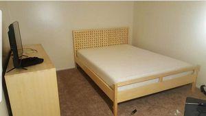 Bedroom Set - Sealy Memory Foam Mattress Included for Sale in Kettering, MD