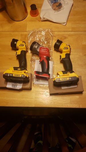 NEW Flashlight Dewalt and Milwaukee will not respond to offers for Sale in Moriarty, NM