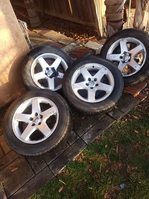 5 lug charger rims for Sale in Fresno, CA