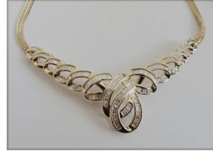 3.0 carats- Diamond 14k solid gold necklace. SALE for Sale in Beverly Hills, CA
