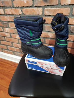 Toddler size 9 snow boots for Sale in Philadelphia, PA