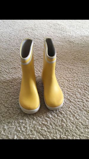 Girl/Boy/Todler rain boots yellov Size 8-9 Aigle BABY FLAC Children's for Sale in Arlington, VA
