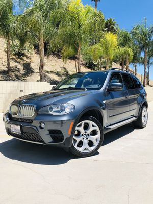 """SUPER SHARP! RARE DIESEL 2012 BMW X5 """"35d"""" // RUNS EXTREMELY WELL, TOTAL SHOW STOPPER for Sale in Pacoima, CA"""
