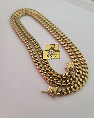 🚨🚨🚨 14k Gold plated Cuban link Chain 🚨🚨🚨 I Deliver for Sale in Miami, FL