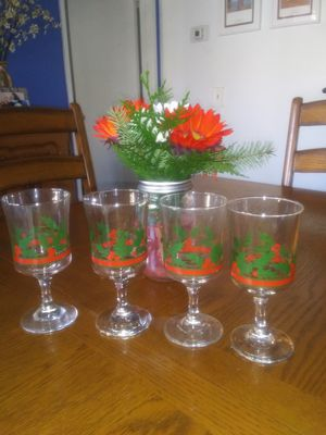 """Vintage Christmas Glasses from the """"80's"""" for Sale in El Cajon, CA"""