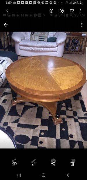 All wood center coffee cocktail table for Sale in Miami, FL