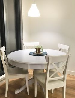 White, Round Dining Table for Sale in Oregon City,  OR