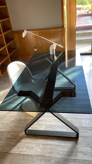 Desk table for Sale in San Diego, CA