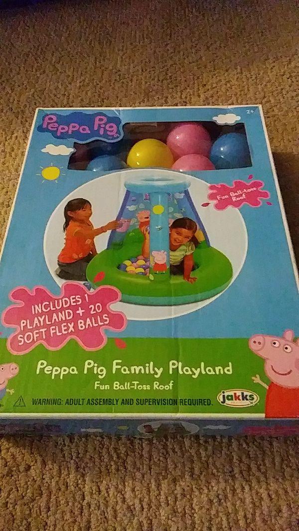 Peppa Pig fun balltoss playland ball pit