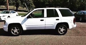 2007 Chevy trailblazer for Sale in Temple Hills, MD