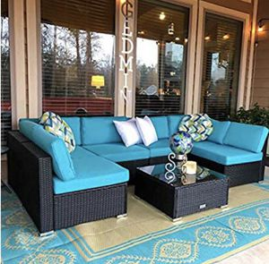 OUTDOOR WICKER FURNITURE SET (LIKE NEW ) 7 PIECES TOTAL for Sale in Renton, WA