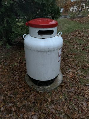 FS. Propane Tank and Pad for Sale in Danvers, MA