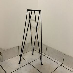 Plant Stand For Flower Pot Plant Sturdy Iron for Sale in Riverside, IL
