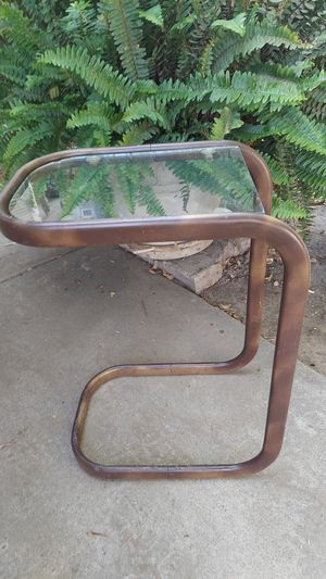 Vintage small end table for Sale in Bakersfield, CA