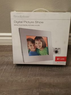 Digital Picture Frame Brookstone for Sale in Colton,  CA
