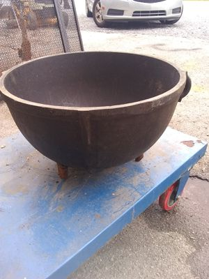 Big bean pot for fire pit for Sale in Tullahoma, TN