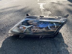 2010-2012 Ford Fusion Right Side Headlight for Sale in Brooklyn, NY